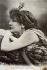 """Sarah Bernhardt (1844-1923), actrice française, dans le rôle de """"Cléopâtre"""", 1880-1890. © Alinari/Roger-Viollet"""