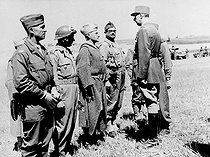 World War II. General De Gaulle with an officer of the Moroccan tabors on the Italian front, on June 30, 1944. © Roger-Viollet