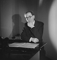 Olivier Messiaen (1908-1992), French composer, organist and music teacher. Paris, May 1937. © Boris Lipnitzki / Roger-Viollet