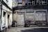 Cour intérieure avec l'entrée chez le photographe boulevard de la Villette. Paris, mai 1969. Photographie de Léon Claude Vénézia. (1941-2013). © Léon Claude Vénézia/Roger-Viollet