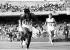 Jeux olympiques de Mexico. Lee Evans (Etats-Unis) franchissant la ligne d'arrivée du 400 mètres masculin, 18 octobre 1968. © TopFoto / Roger-Viollet