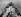 """Guerre 1914-1918. Le roi George V d'Angleterre (1865-1936), acclamé par l'équipage du """"HMS Repulse"""", croiseur de la marine britannique, janvier 1917. © PA Archive/Roger-Viollet"""