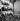 Anschluss. National-socialistes autrichiens chantant le Chant de Horst Wessel (Horst-Wessel-Lied), hymne du parti nazi. Autriche, 11 mars 1938. © Ullstein Bild / Roger-Viollet