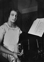 August 11, 1919 (100 years ago) : Birth of Ginette Neveu (1919-1949), French violinist