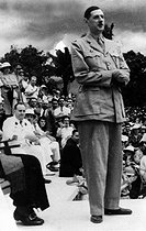 General Charles de Gaulle in Brazzaville (Congo). Siting with a hat and moustache : General Edgar de Larminat (1895-1962), January 1944. © Roger-Viollet