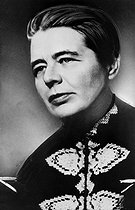 17/12/1987 (30 ans) Death of french writer Marguerite Yourcenar,