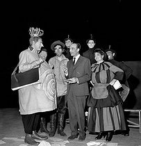 """Ubu roi"" by Alfred Jarry. Direction: Jean Vilar. Georges Wilson, Roger Coggio, Jean Vilar and Rosy Varte. Paris, Théâtre National Populaire, March 1958.  © Studio Lipnitzki/Roger-Viollet"