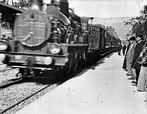 """Arrival of a train at La Ciotat train station (France) - 653"". Film by Louis Lumière, 1897. © Association Frères Lumière / Roger-Viollet"