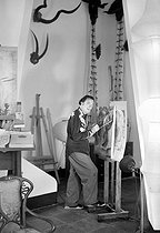 Salvador Dali (1904-1989), Spanish painter in his studio. Port Lligat (Catalonia, Spain), 1956. © Roger-Viollet