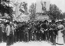 Demonstration of wine growers from the South of France. Carcassonne (France), on May 26, 1907. © Maurice-Louis Branger/Roger-Viollet