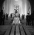 Retour de la Victoire de Samothrace au musée du Louvre après la guerre. Paris, 1945.   © Pierre Jahan/Roger-Viollet