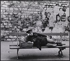 Clochard sur un blanc public. Paris, années 1970. Photographie de Léon Claude Vénézia (1941-2013). © Léon Claude Vénézia/Roger-Viollet