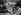 Guerre 1939-1945. Habitants de Varsovie (Pologne) creusant des fossés antichars au centre de la capitale. Fin août 1939. © Roger-Viollet