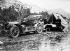 Camping : l'automobile du Baron Crawhez. 1909   © Maurice-Louis Branger/Roger-Viollet