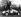 Stirling Moss (né en 1929), pilote automobile britannique et sa soeur Pat, chez eux. Bray (Angleterre), 19 novembre 1949. © TopFoto/Roger-Viollet