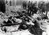Guerre 1939-1945. Insurrection du ghetto de Varsovie.Troupes du général allemand SS Stroop. Des enfants et des adultes ont été capturés dans un sous-sol. Varsovie (Pologne). 8 mai 1943. Galerie Bilderwelt, Berlin. © Bilderwelt/Roger-Viollet