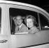 La princesse Sophie de Grèce (née en 1938), et son époux le prince Juan Carlos (né en 1938), héritier du trône d'Espagne, à l'aéroport d'Heathrow. Londres (Angleterre), 14 septembre 1962. © TopFoto/Roger-Viollet