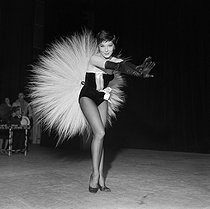 Zizi Jeanmaire (said Renée Marcelle Jeanmaire) (1924-2020), French dancer and music hall artist. Paris, Revue Olympia, 1959. © Boris Lipnitzki / Roger-Viollet