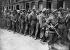 Guerre 1939-1945. Front de Normandie. Prisonniers alliés à Paris. Fin juin 1944. © LAPI/Roger-Viollet