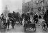 Guerre 1939-1945. Pologne. Circulation rue Marszalkowska dans Varsovie assiégée et bombardée par les Allemands. Septembre 1939.      © Roger-Viollet