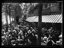 World War One. Strikes in Paris about the vote of the English week (rest on Saturday afternoons for the fashion workers), and the expensive life, late May 1917. © Excelsior – L'Equipe/Roger-Viollet