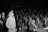 Line Renaud lors du Conseil National de l'U.D.R. (Union des démocrates pour la Vème République). A gauche : Jean de Préaumont. Paris, palais des Congrès le 23 février 1975. © Jacques Cuinières / Roger-Viollet