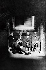 Federico García Lorca, Manuel de Falla, Adolfo Salazar et Angel Barrios, dans les caves de l'Alhambra. Grenade (Espagne), 1922. © Iberfoto / Roger-Viollet