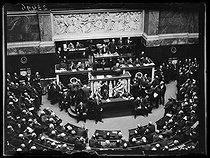 "Discussion about the Treaty of Versailles at the French National Assembly. Georges Clemenceau, French politician, presenting the bill. Paris, Palais-Bourbon, on June 30, 1919. Photograph published in the newspaper ""Excelsior"" on Tuesday, July 1st, 1919. © Excelsior - L'Equipe / Roger-Viollet"