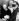 Frank Sinatra (1915-1998), acteur et chanteur américain, arrivant à un bal costumé avec sa troisième épouse, Mia Farrow (née en 1945), actrice américaine. New York (Etats-Unis), 28 novembre 1966. © TopFoto / Roger-Viollet