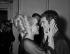 Sophie Daumier (1934-2004) et Guy Bedos (né en 1934), acteurs français. © Roger-Viollet