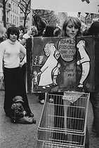 Demonstration of the Women's Liberation Movement. Paris, 1974. Photograph by Janine Niepce (1921-2007). © Janine Niepce / Roger-Viollet