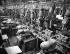 Usines Renault de Boulogne-Billancourt (Hauts-de-Seine). Chaîne de montage équipée de machines transferts, vers 1946-1948. © Pierre Jahan/Roger-Viollet