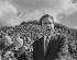 Richard Nixon (1913-1994), homme d'Etat américain, prononçant un discours dans le parc de Rebild (Danemark), 1962.  © Erik Petersen/Polfoto/Roger-Viollet