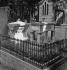 Tombs of Jean de La Fontaine and Molière to the cemetery of the Père-Lachaise. Paris. © Laure Albin Guillot / Roger-Viollet