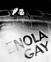 "World War II. Pacific front. Colonel Paul Tibbets aboard the B29 ""Enola Gay"" which released the atomic bomb on Hiroshima. August 6, 1945.  © Roger-Viollet"