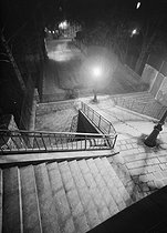 Montmartre. Stairs, rue de la Bonne, at night. Paris (XVIIIth arrondissement), 1948. Photograph by René Giton (known as René-Jacques, 1908-2003). Bibliothèque historique de la Ville de Paris. © René-Jacques/BHVP/Roger-Viollet