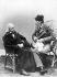 Theodor Mommsen (1817-1903), historien et juriste allemand avec le sculpteur Reinhold Begas (à droite). Vers 1890. © Ullstein Bild/Roger-Viollet