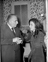 Bruno Coquatrix (1910-1979), French composer and manager of the Olympia, and Jacqueline Boyer (born in 1941), French singer, attending the premiere of Charles Trenet at the Olympia. Paris, on May 3rd, 1971. © Patrick Ullmann / Roger-Viollet