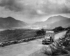 Route surpomblant les lacs de Killarney (Irlande). © TopFoto/Roger-Viollet