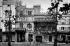 """Paris (IXème arr.). Les cabarets """"Le Ciel"""" et """"L'Enfer"""", boulevard de Clichy.   © Neurdein/Roger-Viollet"""
