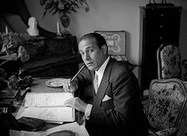 Tino Rossi (1907-1983), French actor and singer, at his place, June 1941. © LAPI / Roger-Viollet
