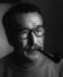Georges Simenon (1903-1989), écrivain belge francophone. Epalinges (Suisse), 1968. Photographie de Horst Tappe (1938-2005). © Fondation Horst Tappe / KEYSTONE Suisse / Roger-Viollet