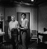 """""""Mélodie en sous-sol"""", film d'Henri Verneuil, d'après le roman de John Trinian. Jean Gabin et Alain Delon. France, 14 décembre 1962. © Alain Adler / Roger-Viollet"""