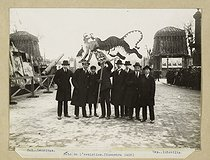World War I. Celebrations for the armistice of November 1918. Puppet tiger alluding to Georges Clemenceau, place de la Concorde, in the Tuileries Garden. Paris (VIIIth arrondissement). Photograph by Charles Lansiaux (1855-1939). Paris, musée Carnavalet. © Charles Lansiaux / Musée Carnavalet / Roger-Viollet