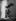 Victoire de Samothrace de coté. Photographie de Léopold Mercier.  Paris, musée du Louvre. © Léopold Mercier / Roger-Viollet