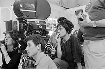 "Agnès Varda (1928-2019), French director and photographer, on the set of her film ""Cléo de 5 à 7"". France, 1962. © Jean-Régis Roustan / Roger-Viollet"