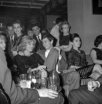 Melina Mercouri (1925-1994), Greek actress and politician, and Anthony Perkins (1933-1992), American actor. Paris, Club Saint-Hilaire nightclub, 1966. © Roger-Viollet