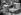 Guerre 1939-1945. Soldats français aidant des paysans aux travaux des champs (battage du blé). France. 1939.   © Roger-Viollet