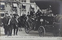 Visit in Paris of King Alfonso XIII of Spain (1886-1941). The King with Emile Loubet (1838-1929), President of the French Republic, leaving the Bois de Boulogne train station. Paris, on May 30, 1905. Photograph by Charles Chusseau-Flaviens (floruit between 1890 and 1920). Bibliothèque historique de la Ville de Paris. © Charles Chusseau-Flaviens / BHdV / Roger-Viollet