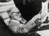 Sigmund Freud (1856-1939), neuro-psychiatre autrichien, lisant un journal. Autriche, 1932. © Imagno/Roger-Viollet